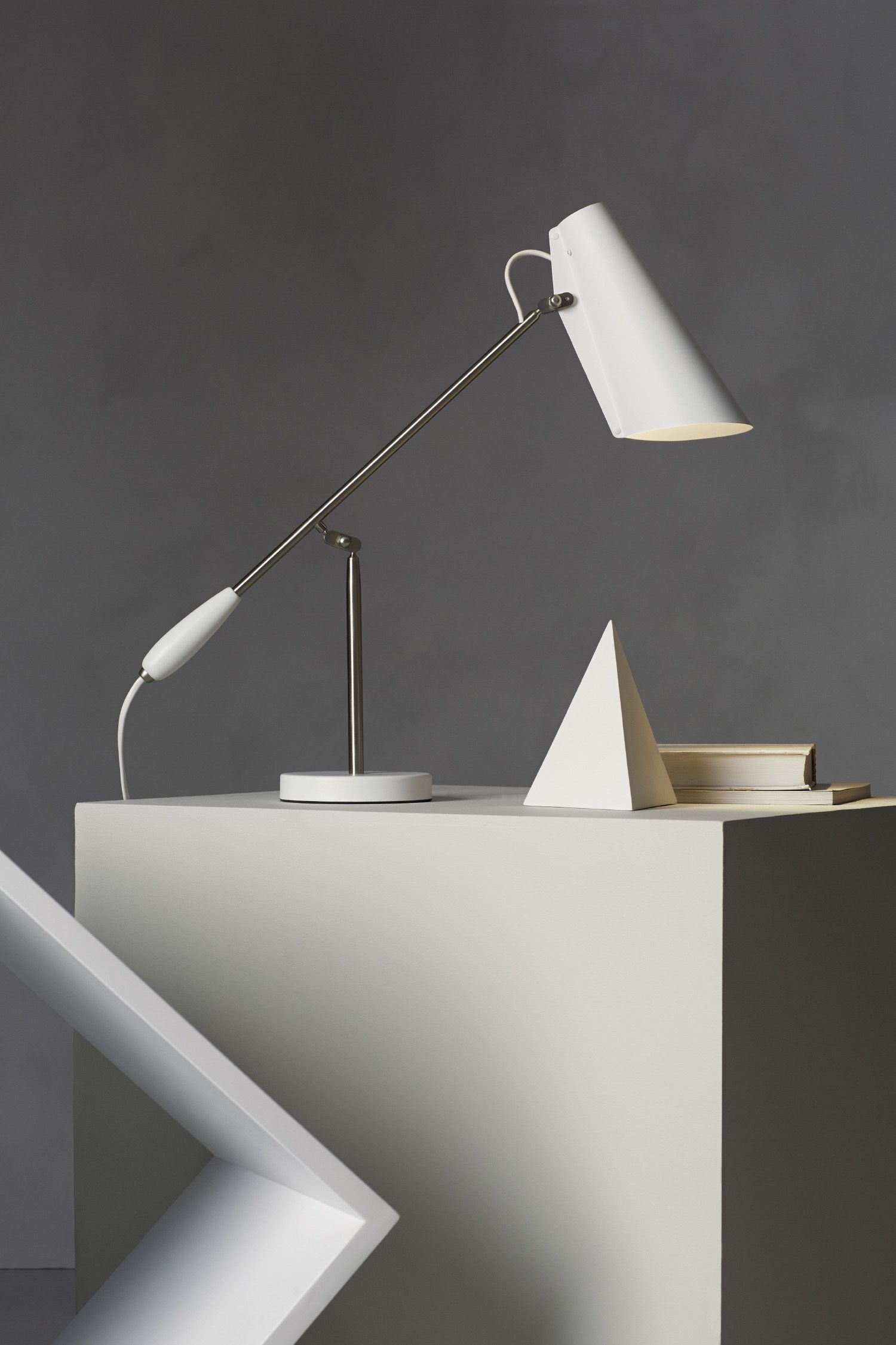 Lampe De Salon A Poser Superbes Lampe De Table Birdy De northern Lighting 4 Coloris